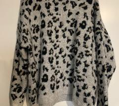 Pull and Bear leopard pulover M