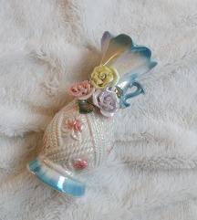 Porculanska vaza za cvijeće