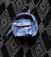 Carpisa mini ruksak. Pt u cijeni