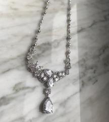 Elegance ogrlica s etiketom