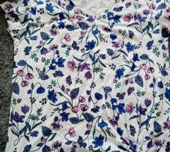 Nova cvjetna majica