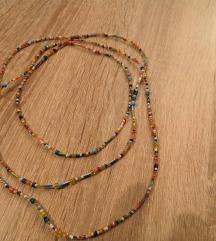 višeslojna ogrlica od perlica