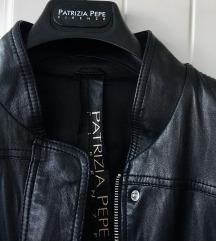 Original Patrizia Pepe crna kožna bomber jaknica
