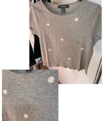Siva majica s cvjetićima