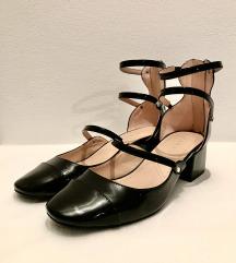 ZARA crne lakirane cipele Mary Jane, blok peta
