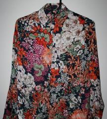 Efektna cvjetna košulja