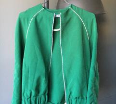 stradivarius zelena proljetna jakna