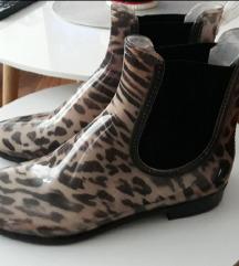 Nove gumene cizme