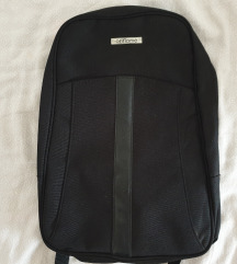 Lagani mali crni ruksak