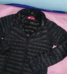 Nike muška jakna pernata crna