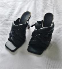 Zara isprepletene kožne sandale