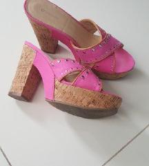 Roza ljetne papuče