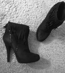 Crne čizme s resicama 🖤