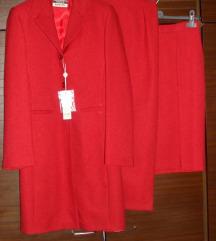 Trodjelni crveni kostim