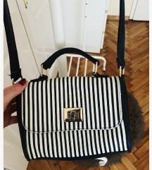 Prefora prugasta torbica - Vi ponudite cijenu!