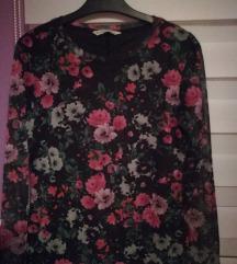 Stradivarius cvjetna majica