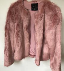 Ružičasta bundica - ni jednom nošena