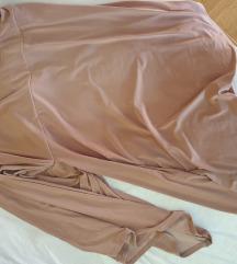 Roza kratka haljina s volanom na jedno rame