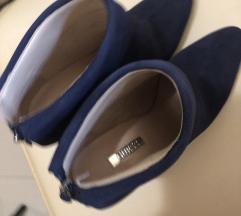 Guess cipele ..gležnjače  nove