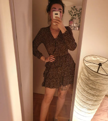 Mini haljina na volane