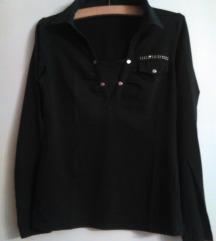 Crna majica sa ukrasima