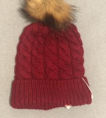 Crvena kapa nova