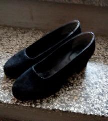 Crne cipele od velura