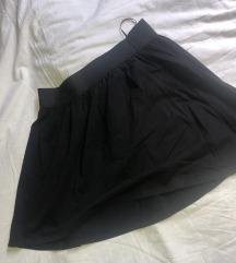 Crna siroka suknja