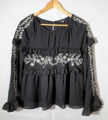 ⭐GRACIJA crna bluza s volanima⭐