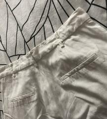 Zara bijele hlace na crtu