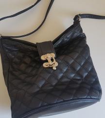 Prošivena crna torbica