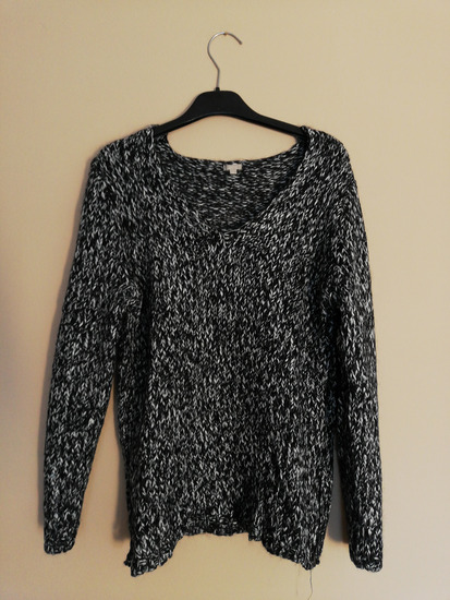 Sivi vuneni pulover