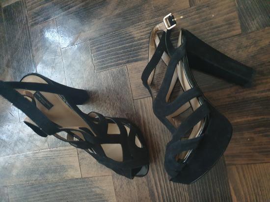 Zara sandale 41 broj 200kn!