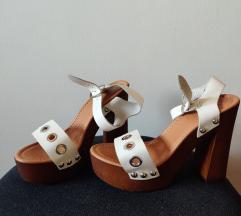 Otvorene sandale na petu