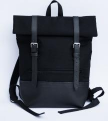 Crni handmade ruksak