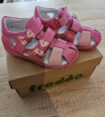 Froddo sandale broj 24