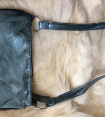 Nova metalik torbica