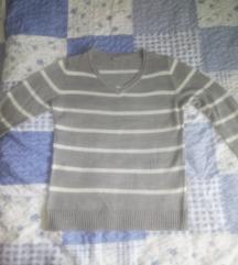 Siva majica na bijele prugice