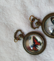medaljoni s leptirom