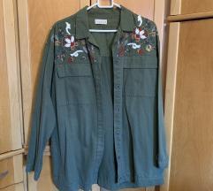 P&B jaknica s izvezenim cvijećem