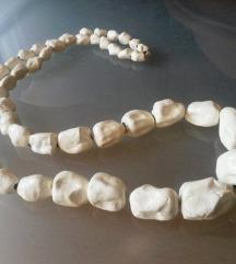 Bijela ogrlica unikat