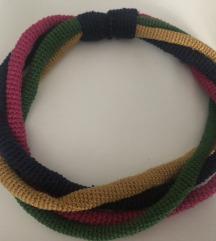 Ogrlica heklana raznobojna