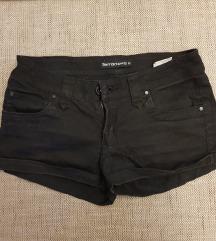 Kratke crne hlače New Yorker