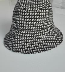 Modni šešir Marks&Spencer
