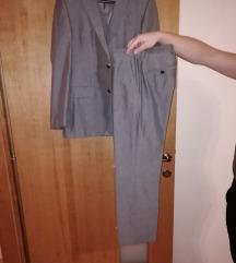 Hugo Boss muško odijelo 46