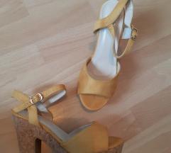 Nove žute sandale 39
