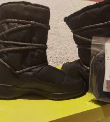 Nove Adidas čizme (buce) za snijeg 38 (37.5)