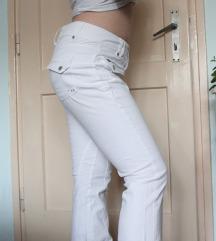 Poklanjam bijele hlače traperice vel. M