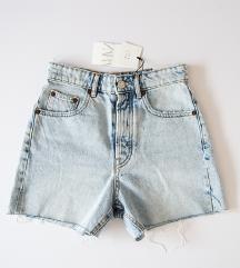 🌸 ZARA kratke hlače 🍀