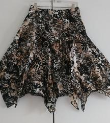 Zanimljiva suknja